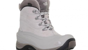 North Face Chilkats II snow boot